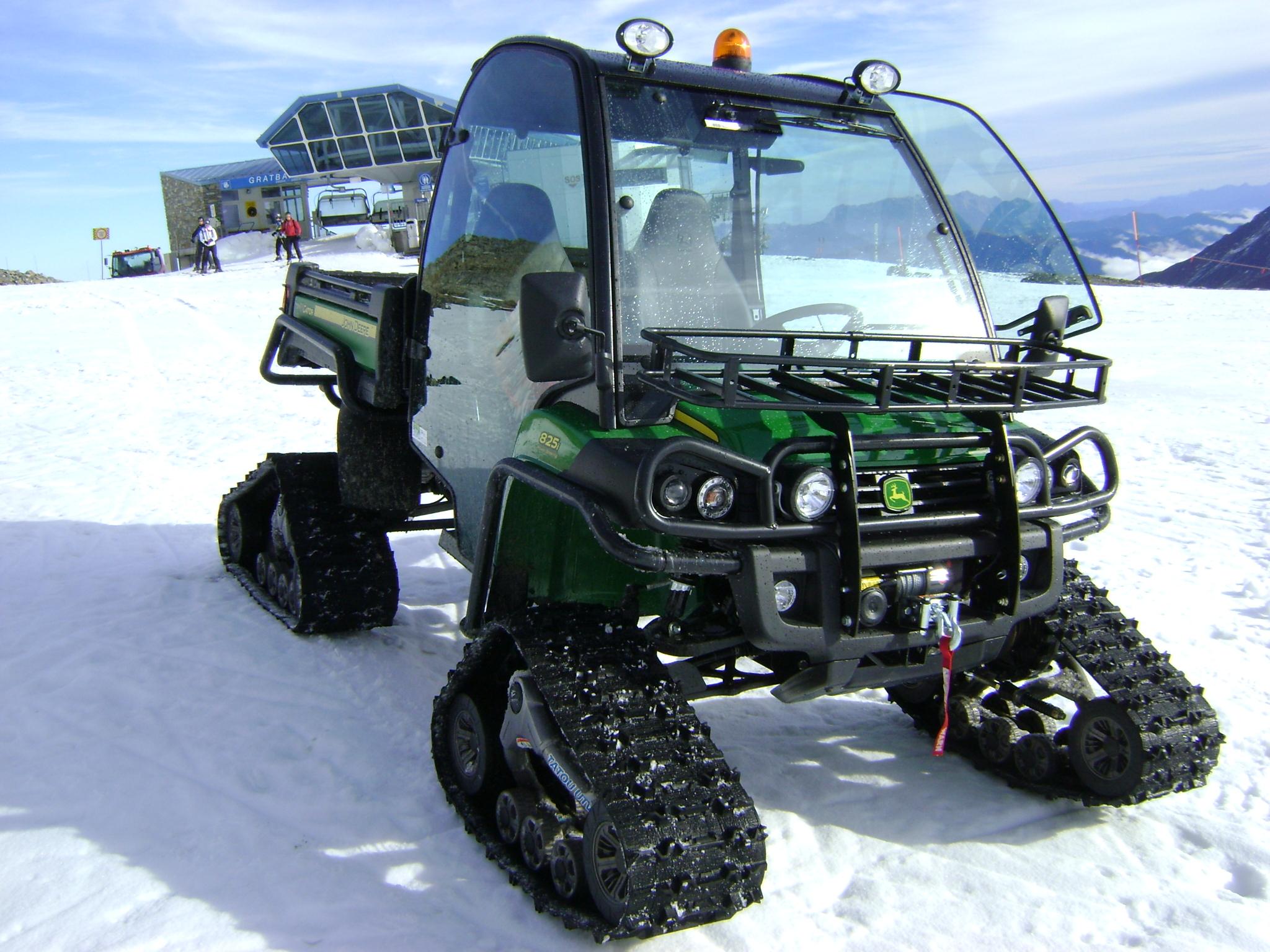 John Deere Gator >> JOHN-DEERE GATOR jetzt auch mit Winterausrüstung. - LMB Landmaschinen Burtscher Nüziders
